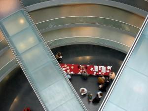 EinBlick von oben in Richtung Foyer