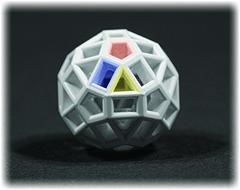 Der Zometoolball mit seinen 3 verschiedenen Öffnungen