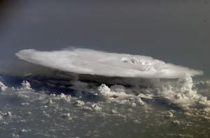 Plateauförmige Gewitterwolke